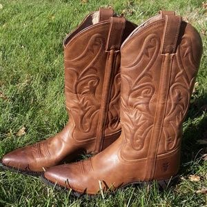 Frye Bruce Pull on Boots in Cognac